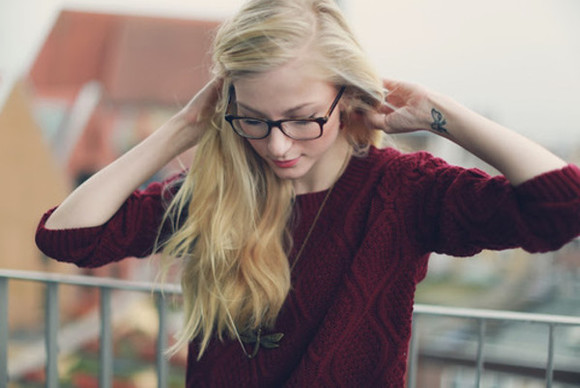 glasses sweater necklace knit sweater red burgundy blonde hair jewelry beautiful red knit sweater