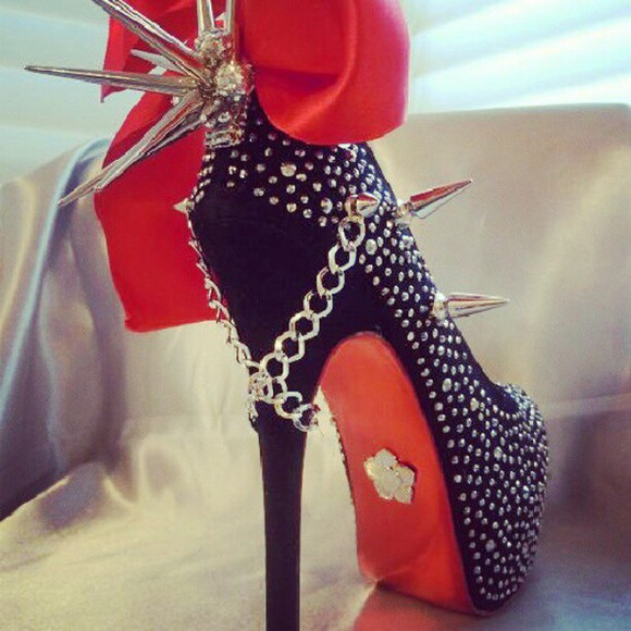 shoes studded shoes black pumps with chain studded boots studded high heels black highheel stillettos spike high heels