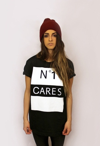 t-shirt grunge crop top girly pastel goth pastel grunge pastel pink soft grunge no 1 cares shirt grunge nirvana 90s style sparkly top skinny jeans