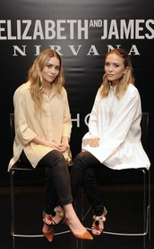 olsen sisters,shirt,jeans,pants,shoes,pom pom sandals,sandals,sandal heels,high heel sandals,black sandals,mary kate olsen,ashley olsen,white shirt,nude shirt,black jeans,pumps