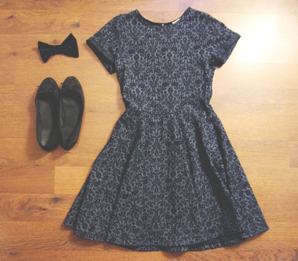 dress bow flats girly patterned dress cute dress pattern print black print dress short short sleeve short sleeve dress skater dress blue dress bonsoir cherie black and white preppy cute vintage preppy dress vintage dress
