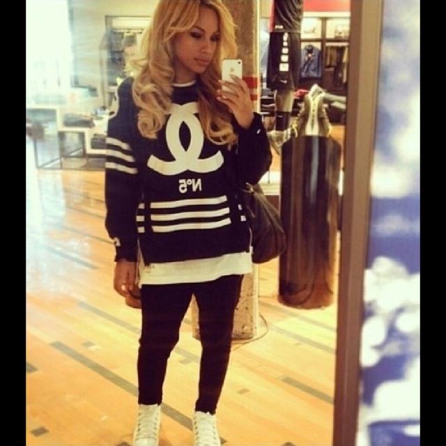 Chanel hoodie black