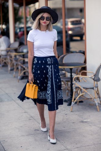 late afternoon blogger skirt t-shirt hat shoes jewels bag sunglasses