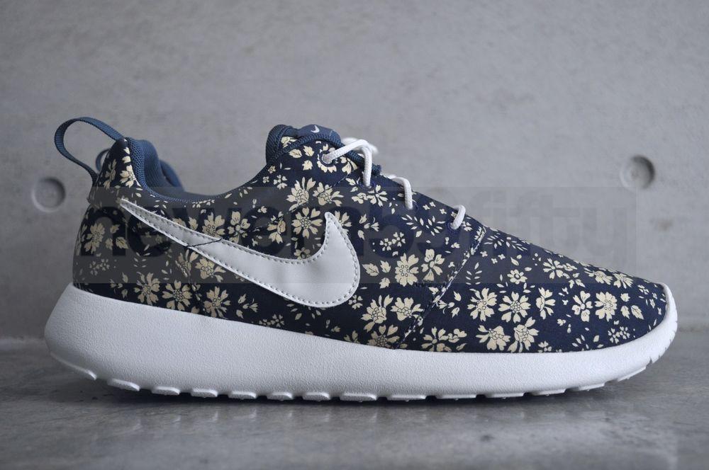 Nike Rosherun Premium Liberty