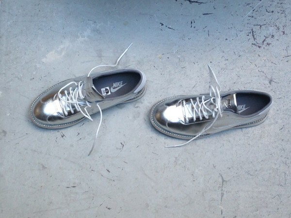 shoes nike oxfords metallic silver lace up nike sneakers sneakers