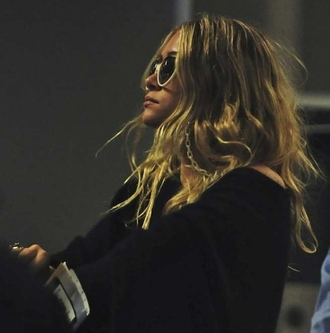 olsen sisters blogger sunglasses sweater