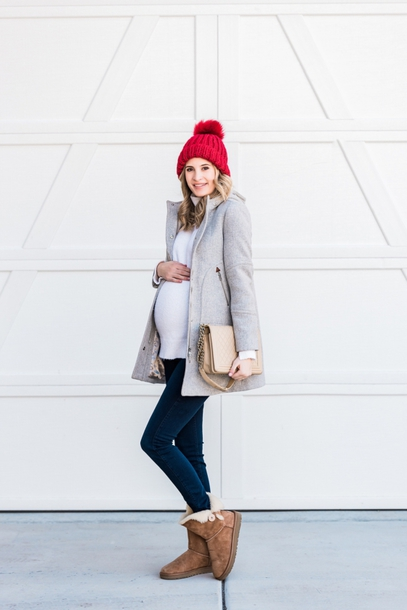 ivory lane blogger coat sweater jeans hat shoes jewels beanie maternity winter boots skinny jeans grey coat winter outfits