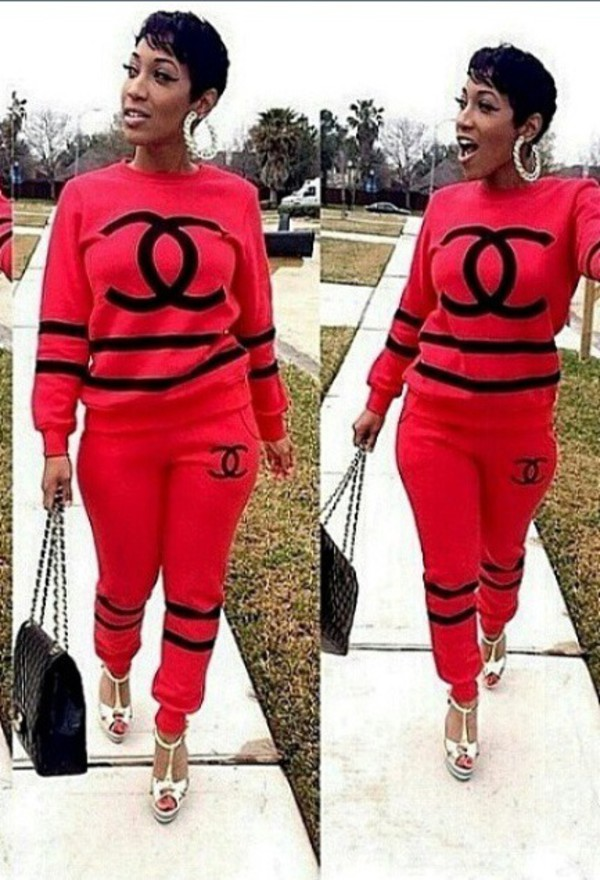 trendy cc jogger suit chanel t-shirt cc logo cc chanel black tracksuit fashion dress style