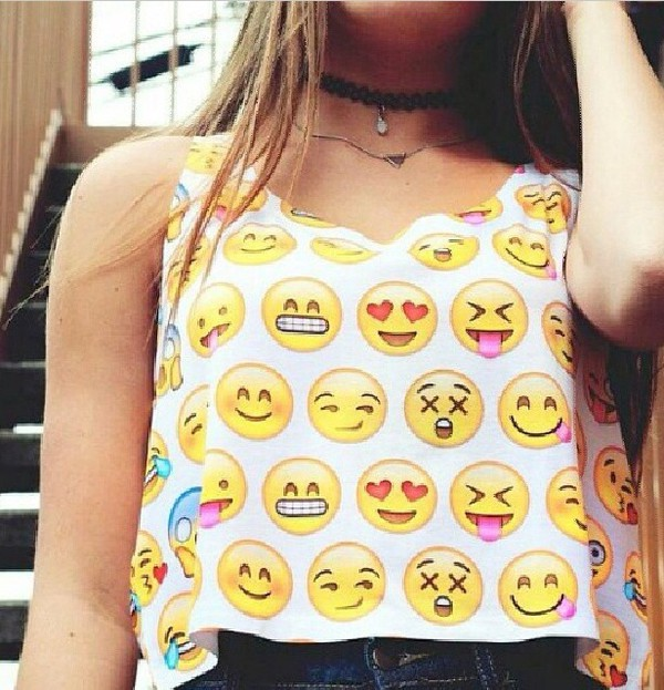 emoji print emoji print crop top tank top faces t-shirt tank top emoji print amazing shirt emoji shirt emoji crop top dress smiley shirt blouse