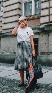 skirt,midi skirt,gingham skirt,ruffle hem,t-shirt,embroidered t-shirt,scarf,silk scarf,mule loafers,blogger,blogger style,shoulder bag