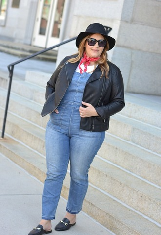 mommyinheels blogger jacket shoes hat sunglasses scarf fall outfits jumpsuit curvy leather jacket loafers