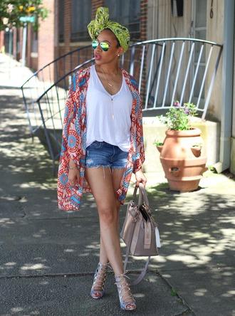 mattieologie blogger summer outfits kimono white tank top denim shorts turban