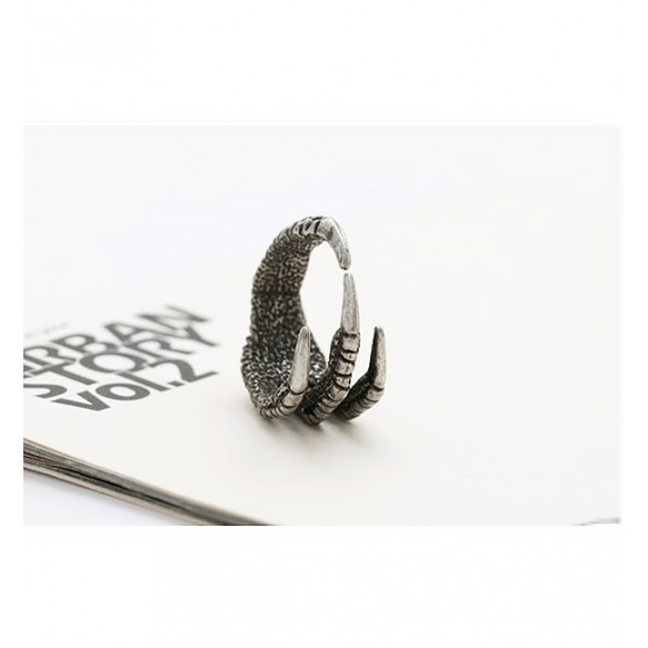Eagle's Crawl Ring at Style Moi