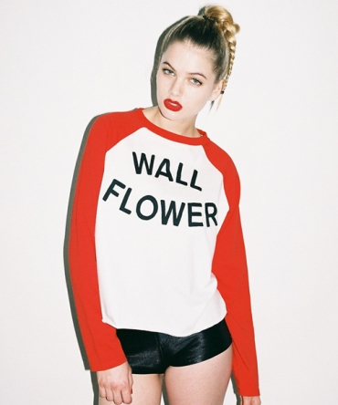 Wallflower baseball t