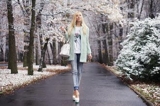 meri wild coat t-shirt jeans bag jewels shoes classy