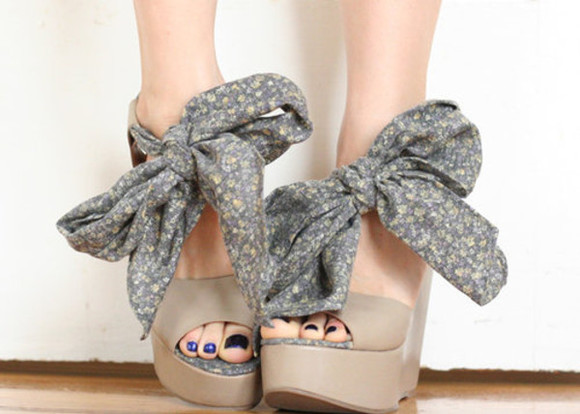 shoes peep toe beige tan wedges brown bow big bow ribbon floral tie bowtie