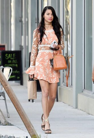 dress model off-duty streetstyle adriana lima sandals