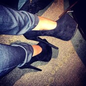shoes,heels,tan,cute,high,black,suede