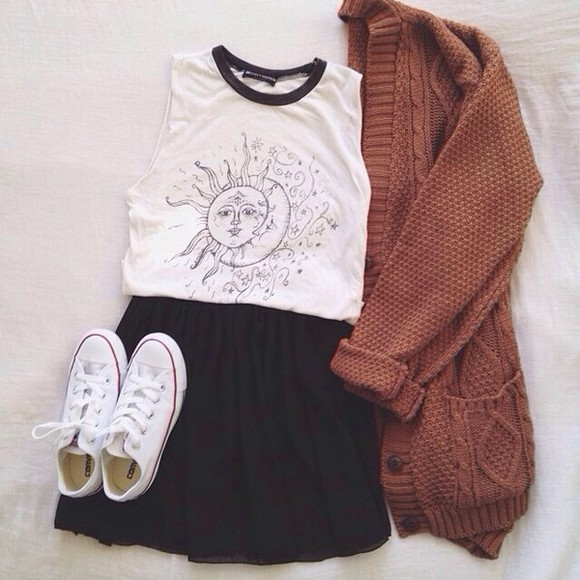 fashion shirt baggy tshirt moon sun sun and moon solar tank top skirt highwaisted shorts cardigan knitted cardigan cute teen hipster grunge soft geu sweater