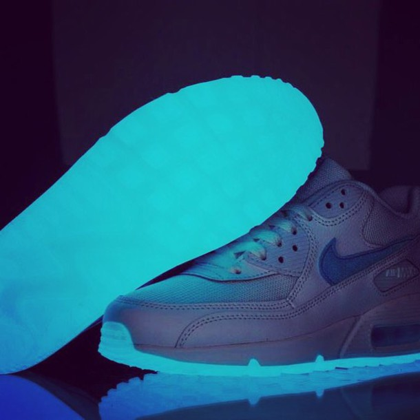 shoes glow in the dark nike shoes