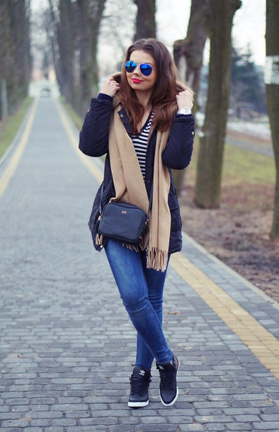 a piece of anna blogger jeans scarf shoes jacket sweater