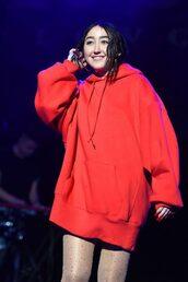 sweater,hoodie,red,noah cyrus,tight,sweatshirt