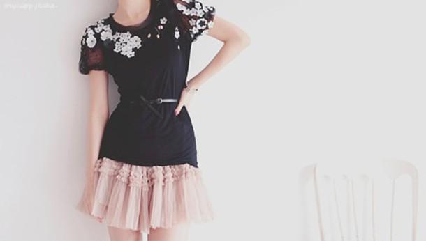 shirt black black shirt flowers black belt shirt with belt kfashion cute girl fashion black and white white flowers white white flowers shirt korean fashion korean fashion
