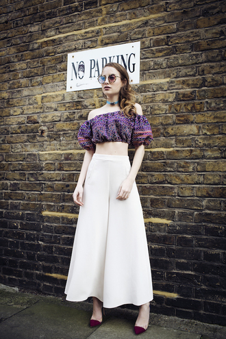 at fashion forte blogger top pants sunglasses shoes