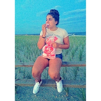 the rolling stones tongue cotton candy sunglasses retro jordan's high waisted shorts creme grey beach sneakers