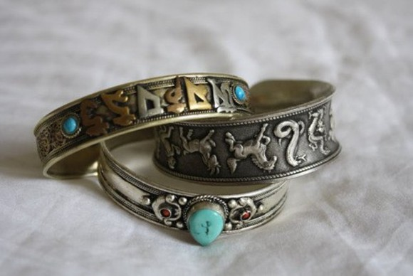jewels rings symbols blue pattern gold ring vintage vintage ring silver ring silver japanese japanese symbols horse jem crystal mint green mint blue mint green red three jewlerry ring