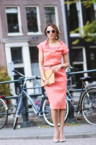 preppy fashionist blogger coral pencil dress