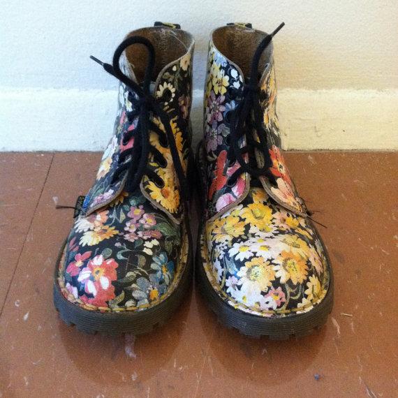 RARE Vintage Dr. Marten's floral boots size 3 UK by MORILOLITA