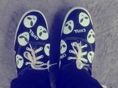 shoes,bans,black,white,black and white,alien,alien chill,chill,grunge,karen aguilera