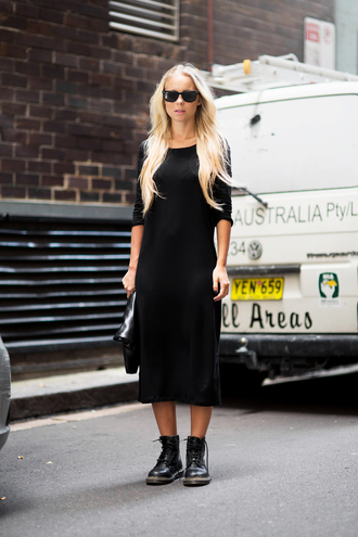 victoria tornegren blogger drmartens minimalist black dress dress bag sunglasses shoes
