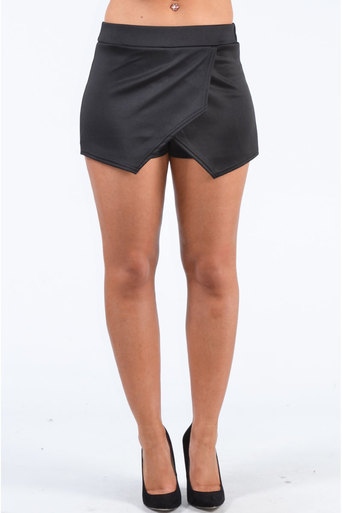 Ladies Kinfe Plain Skort In Black at Pop Couture UK