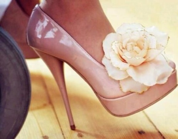 light pink shoes flowers