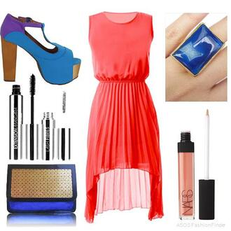 blue bag dress orange dress blue heels make-up blue stone ring