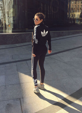 leggings sunglasses adidas sweater adidas leggings white sneakers blogger gym clothes workout