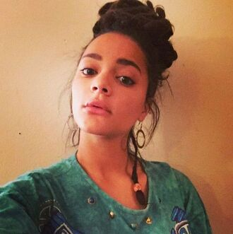 jewels green top sasha lane celebrity actress top hoop earrings earrings hairstyles pink lipstick lip gloss natural makeup look
