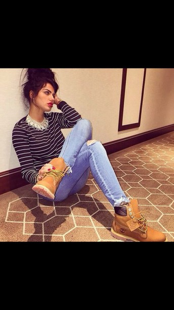 sweater top jeans shoes
