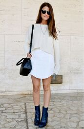 top,white crop tops,white skirt,black heeled boots,blogger,sunglasses