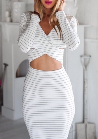 dress zaful girly girly wishlist girl style summer dress summer outfits summer long sleeves long sleeve dress black white stripes striped dress bodycon dress bodycon body curvy midi dress cut-out cute cute dress sexy sexy dress v neck dress v neck