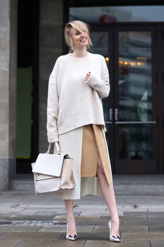 ohh couture blogger handbag oversized sweater slit skirt camel
