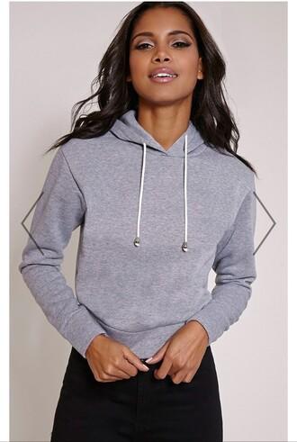 shirt cropped hoodie cropped hoodie grey pullover jumper sweatshirt jacket black leggings curly hair cute lip gloss black girls killin it