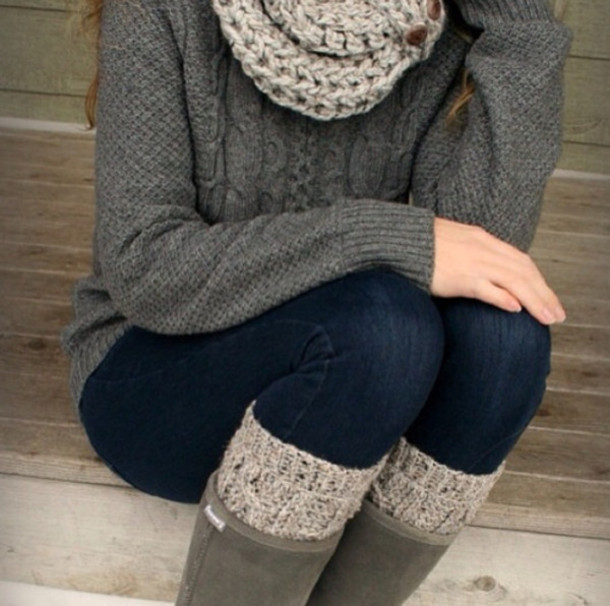 What to wear with gray cable knit leggings