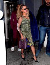 dress,pumps,sandals,midi dress,beyonce,celebrity,shoes,sunglasses