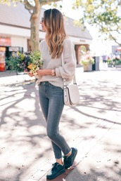 prosecco and plaid,blogger,jeans,shoes,sweater,jewels,bag,make-up,sunglasses,long sleeves,grey sweater,skinny jeans,grey jeans,shoulder bag,white bag,black sneakers,nude sweater