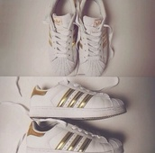 shoes,adidas,adidas shoes,adidas superstars,white,gold,white sneakers,sportswear,sporty