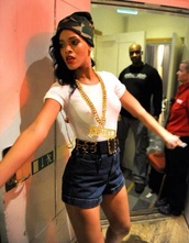 jewels,chanel chain,army beanie,belt,hat,top,shorts,rihanna,High waisted shorts
