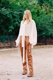 vanessa jackman,blogger,blouse,pants,leggings